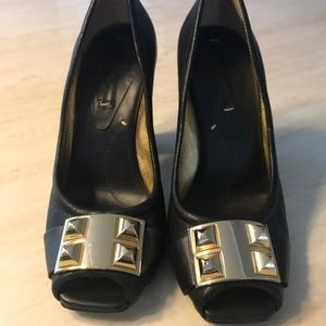 Gold buckle square heel : size 8.5